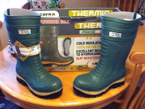 BRAND NEW PAIR OF COFRA THERMIC SIZE 12 WIDE $110.