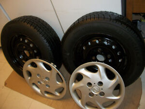 2 Nos Tires 195 65 15 on Steels rims 5 x 114.3mm