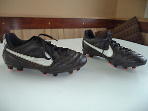 Boys soccer shoes size 2
