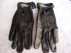 Ladies Harley Leather Gloves size M , style 98346-09vw