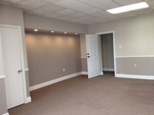 Affordable professional offices, parking included! London Ontario image 4