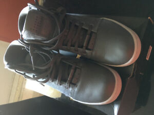 Jordan shoes for sell size 9