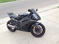 Absolutely mint 2013 Yamaha r6 with extras and low km