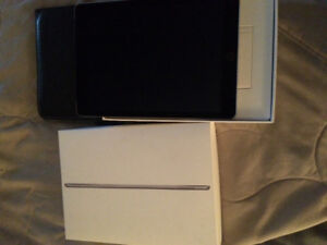 iPad 2 with SIM and Leather Case