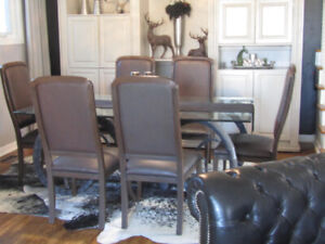 6 Art Shoppe Dining Room Chairs $360