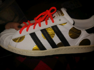 Size 9 adidas for sale.