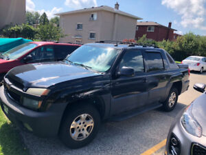 2004 Chevy Avalanche for sale as is $1500 obo.