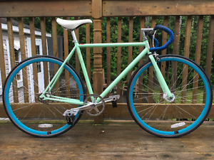Specialized Roll 1 ***CONDITION PARFAITE***