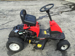 Lawn tractor 24 inch mowing deck