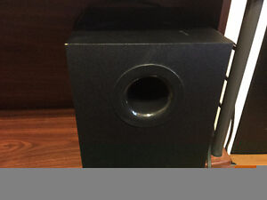 Selling logitech speaker system with sub woofer