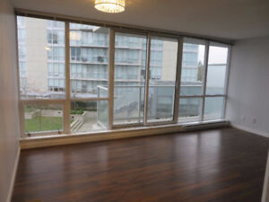 Centrally Located 1 BR - Surrey Central near King George Station