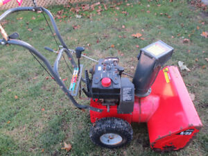 Snowblower 5hp 23 inch Runs Good New Carb but needs some repair