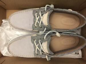 Brand New Women's Sperry Shoes Size 9