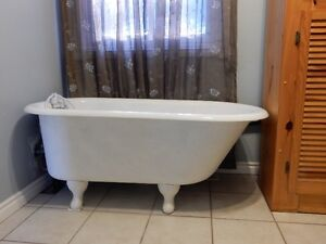 Cast iron soaker tub for sale