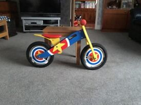 Captain America wooden balance first ride training bicycle