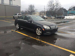 [PRICE DROPPED!]2011 Mercedes-Benz C300 4MATIC IMMACULATE!