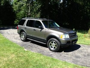 2004 Ford Explorer Ed Bauer SUV, Crossover