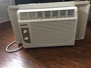 COMFEE -  5000 BTU - WINDOW AIR CONDITIONER
