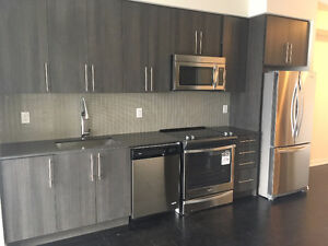 Brand NEW Never Lived In 1 bedroom + 1 den Square One Condo