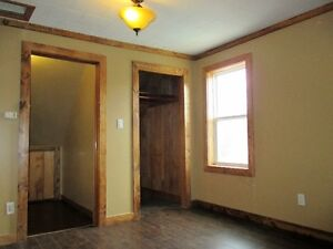 2 Bedroom House w/ garage in Belmont SEPT 1.