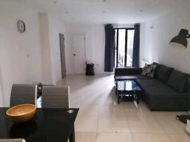 1 bed flat £1550 Oldstreet EC1V 9LL UC/HB Considered