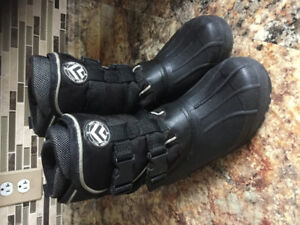 Boys Banff Trail winter boots.