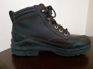 "BN, Men`s ""Ariat, Groundbreaker"" All Terrain Leather Boots"