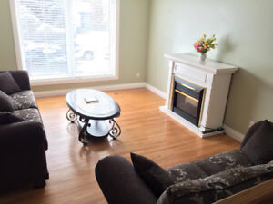 Nice Furnished Room with Bathroom -Sept 1st