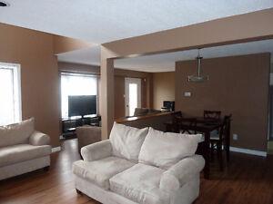 Beautiful bedroom ALL INCLUSIVE/Semi-furnished home close to UWO
