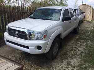 2011 Toyota Tacoma DC - $CHEAP$ - Needs Frame tweak