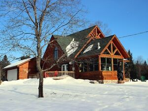 ***Beautiful Confederation Log Home***