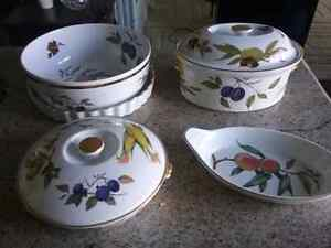 7 Pieces of Evesham Fine Porcelain China