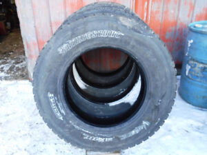 11r24.5 bridgestone 711 truck tires