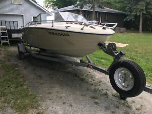 17 ft. Tempest - inboard/outboard Mercrusier 3.0 litre, 140 hp