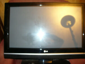 32 inch LG flatscreen, not powering up parts or repair