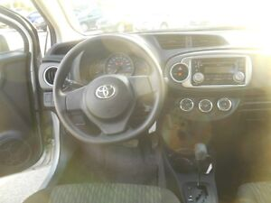2014 Toyota Yaris LE 5-Door AT Peterborough Peterborough Area image 12