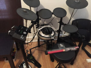 Like new Yamaha DTX 522K electric drums
