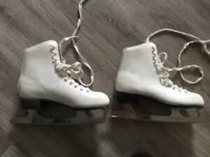 Figure skates size 2 girls