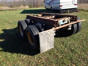 295/75/22.5 rims tires11r22.5 and air ride axles/ bogies