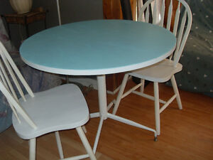 Kitchen table with 2 chairs and Entertainment cabinet REDUCED