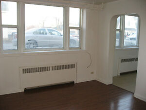 1 Bedroom Apt. $860/month in Trenton. Available May 1st!