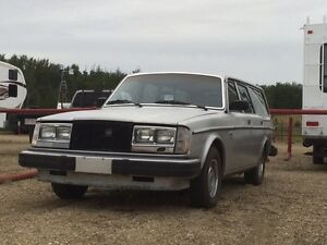 1979  volvo 265 trade or make resonable offer
