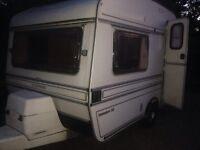 Compass 1990 2 berth in good condition
