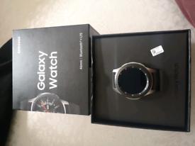 Samsung smart watch 46mm Bluetooth and 4g