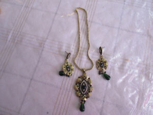 Gold and green necklace and earring set