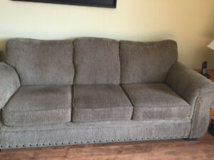 couch and love seat for sale in vg cond like new