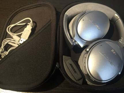 AS NEW BOSE QC35 Wireless Acoustic Noise Cancelling Headphones