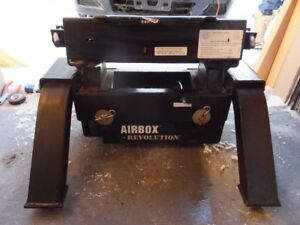 Air ride 5th wheel hitch - PRICE REDUCED