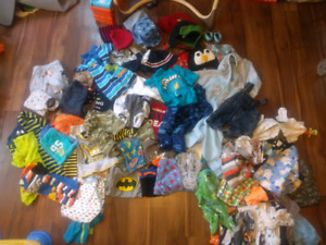 64 pieces 3-6 months boy clothing 40$barely used