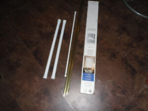 NEW PACK OF MINI BLINDS AND 5 CURTAIN RODS ALL FOR $10
